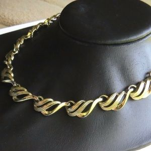 Vintage Signed Coro Gold tone Mid Century Necklace